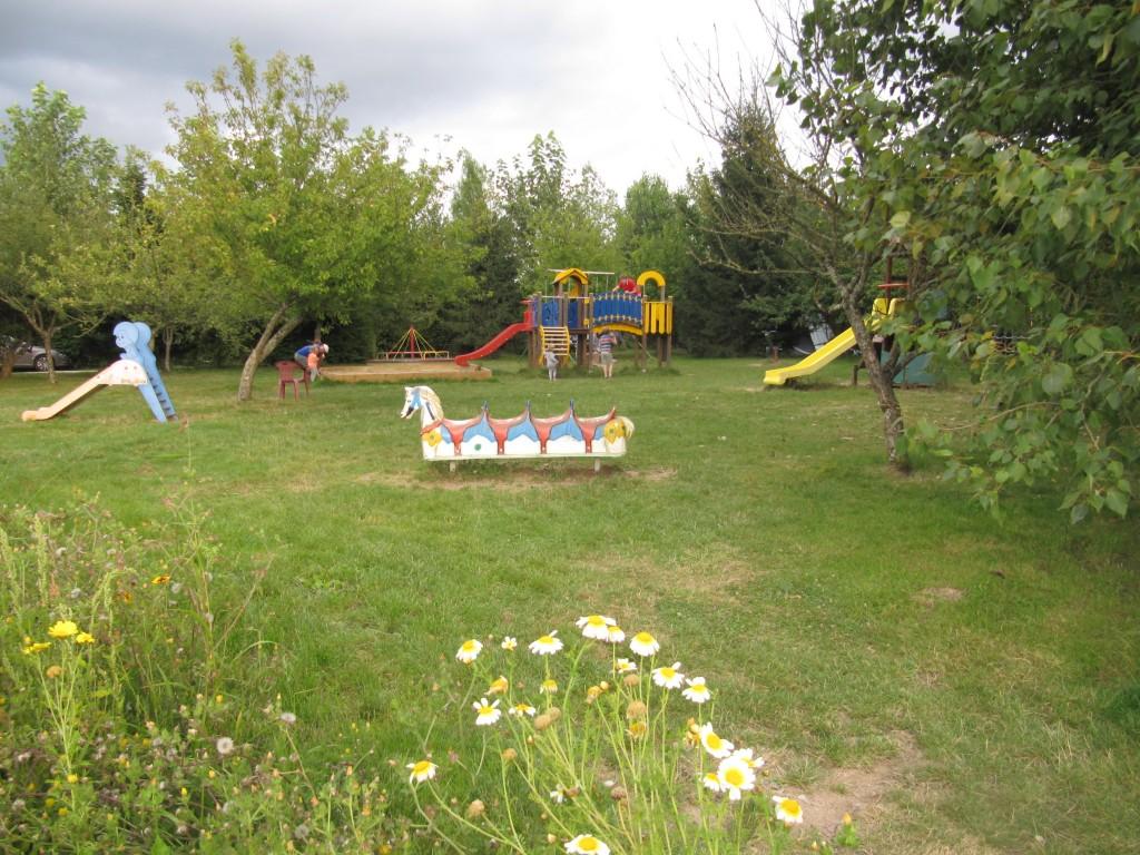 Camping ferme p dagogique de prunay loir et for Vide jardin finistere 2016