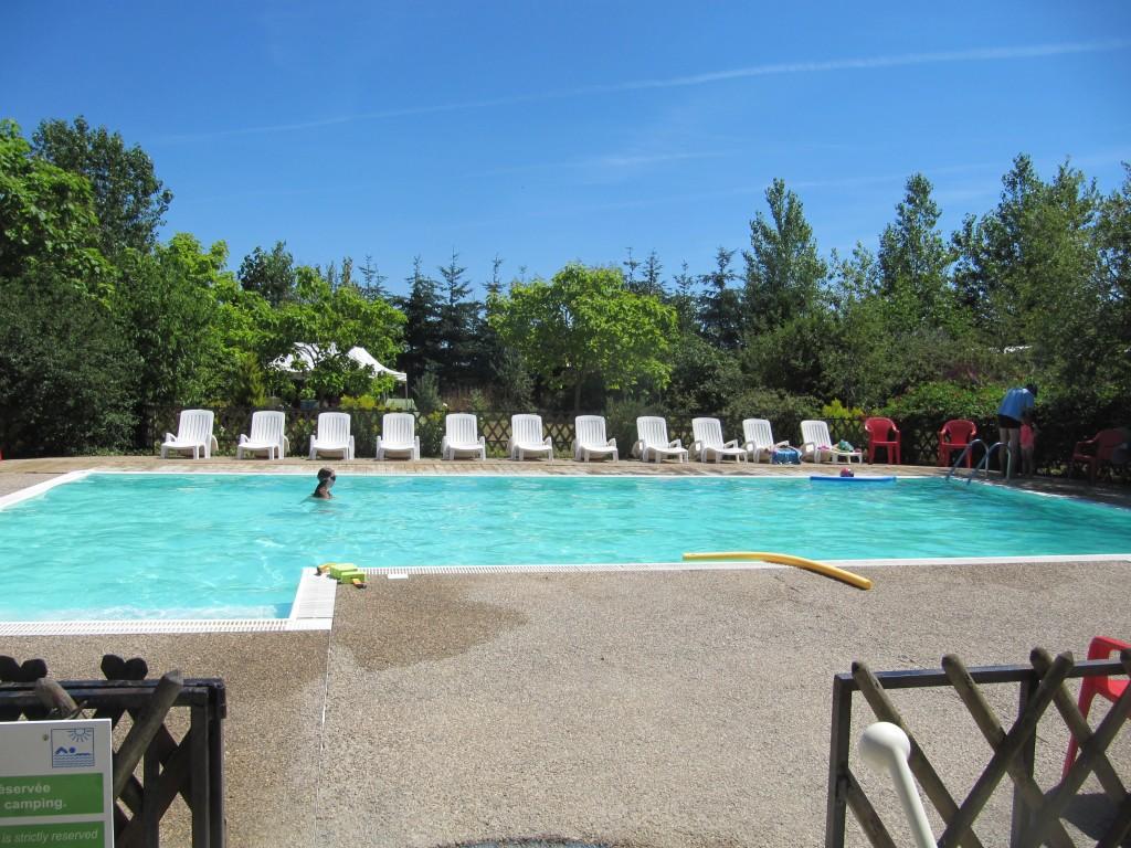 Ferme prunayaccueil ferme prunay for Camping a la ferme dordogne piscine