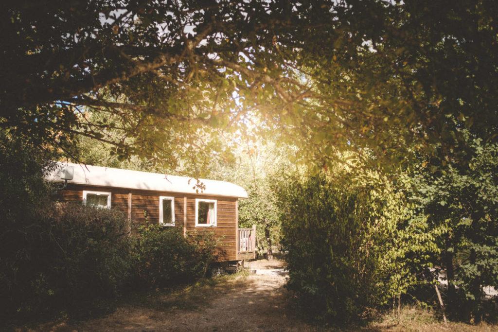 roulotte emplacement très grand vacances nature grand espace camping séjour ferme pédagogique de prunay val de loire chateaux de la loire